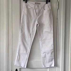 Levi's White Mid Rise Skinny Jeans W Frayed Hem